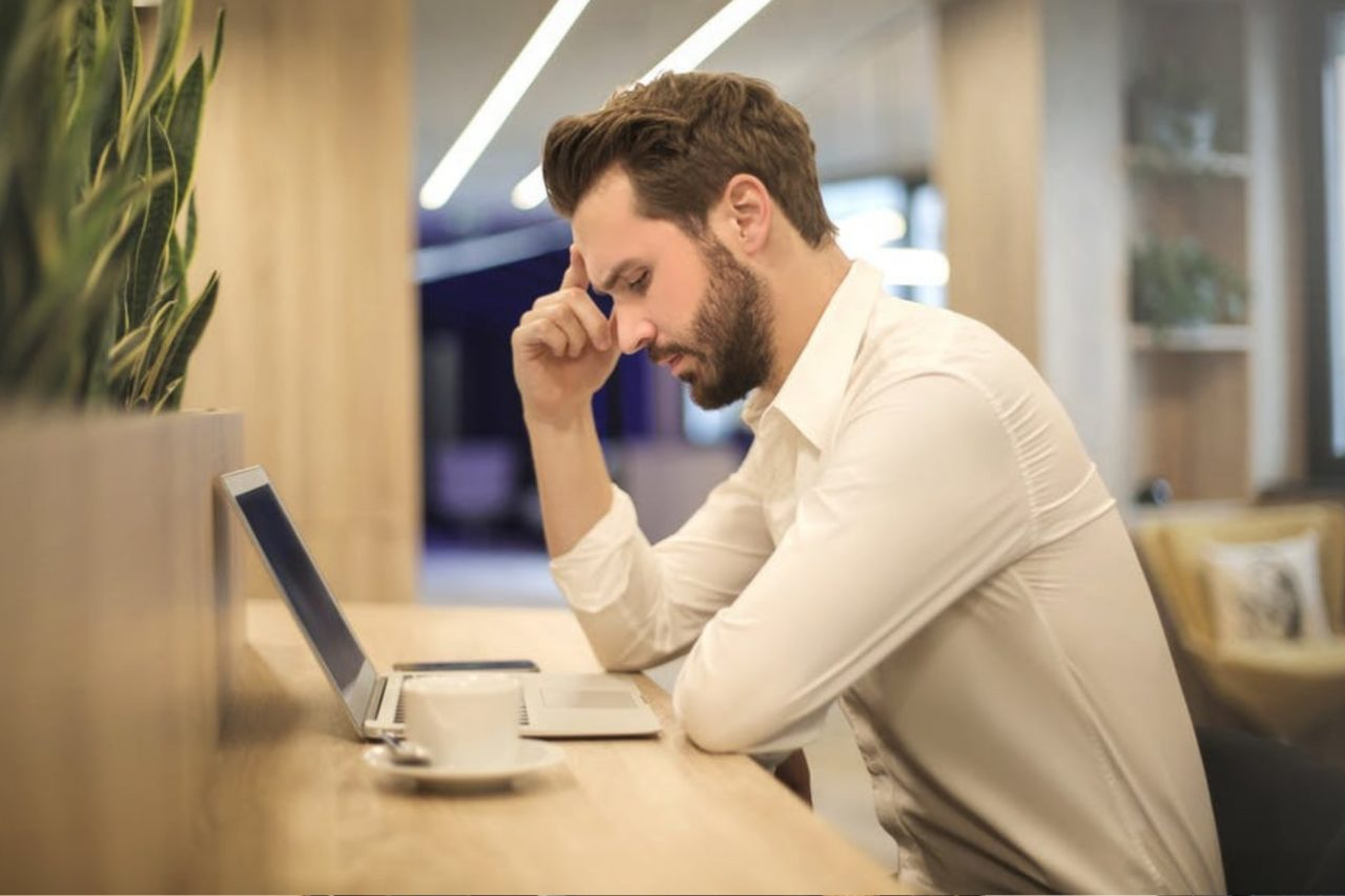 https://entrepreneurmindz.com/wp-content/uploads/2019/02/Most-Common-Mistakes-In-Small-Businesses-1280x853.jpg