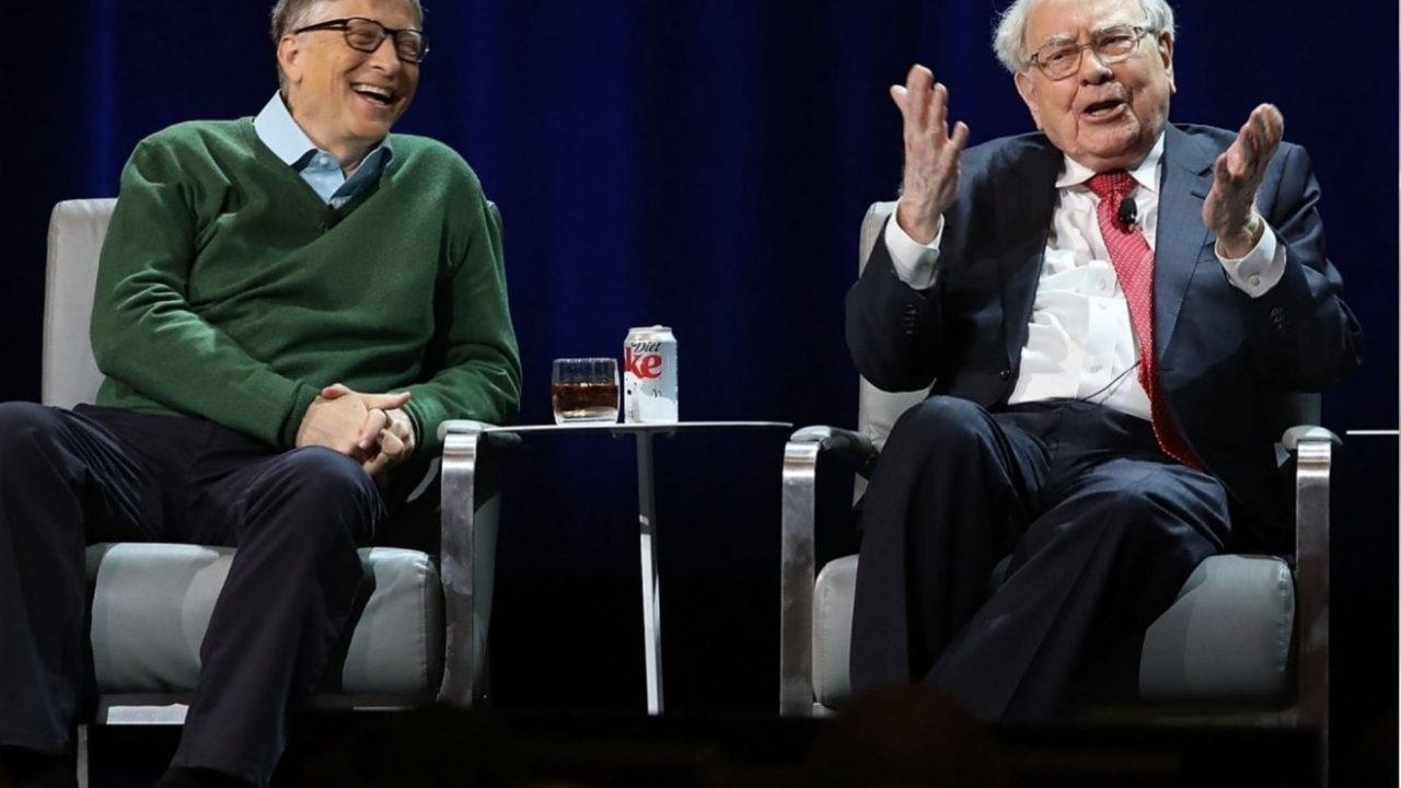 https://entrepreneurmindz.com/wp-content/uploads/2019/02/Warren-Buffett-Bill-Gates-Key-Objectives-For-An-Entrepreneur-From-The-Masters-Of-Business-1280x720.jpg