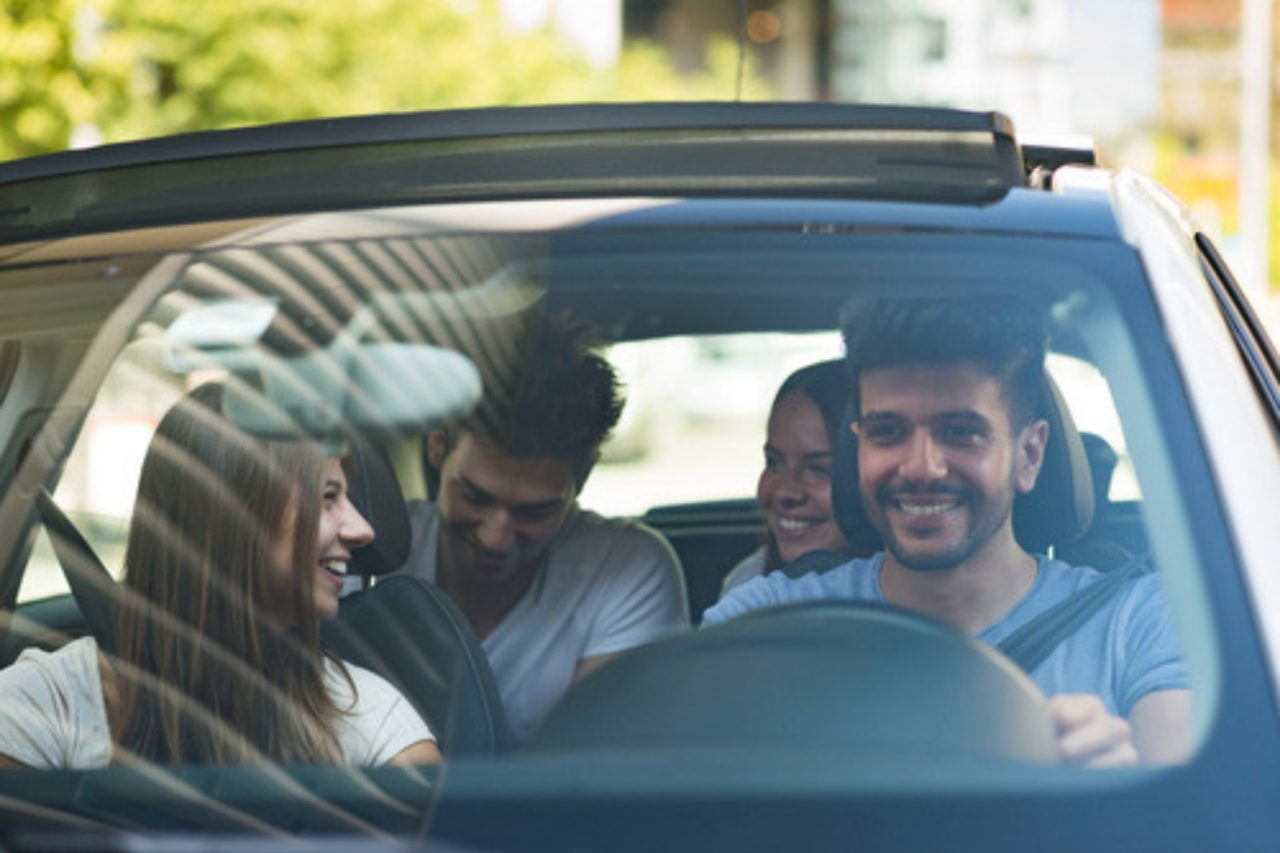 https://entrepreneurmindz.com/wp-content/uploads/2019/07/'Car-Sharing'-Some-New-Business-Opportunities-In-Urban-Mobility-1280x853.jpg