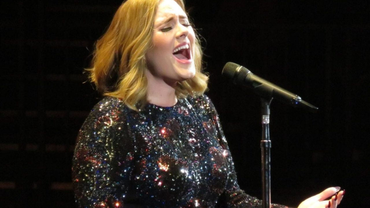 https://entrepreneurmindz.com/wp-content/uploads/2020/05/Who-Is-That-Girl-Adele-Story-Of-Great-Transformation-1280x720.jpg