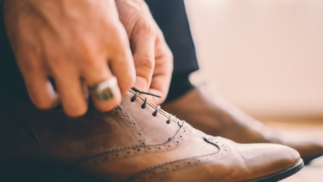 How To Start An Online Shoe Business for Men